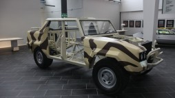 Studiu Lamborghini LM002