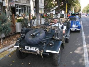 Kubelwagen & autorul articolului la Retroparada toamnei in Constanta - 2012