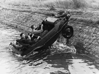 Varianta amfibie Type 166 Schwimmwagen