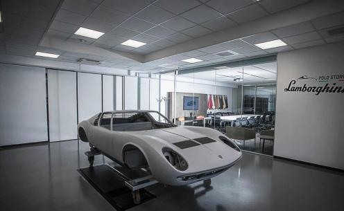 Caroserie restaurata Lamborghini Miura