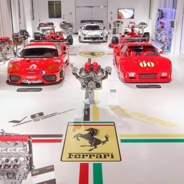 Expozitia de motoare & modele de competitie
