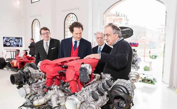 Expozitia dedicata motoarelor Ferrari