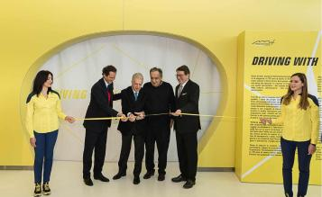 Inaugurare expozitie driving with the stars