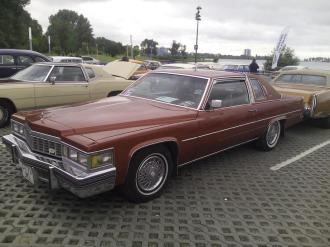 Cadillac DeVille Coupe (2)
