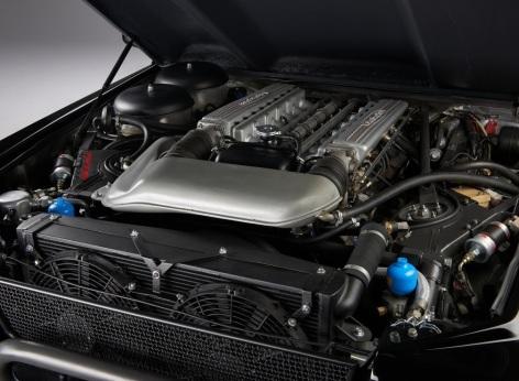 Lamborghini LM002 beneficia de un motor V12 de 5L care oferea performante ridicate