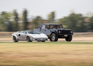 Lamborghini LM002 & Countach
