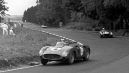 Ferrari 290MM in cursa Mille Miglia din 1956
