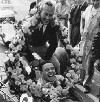 Jim Clark campion mondial alaturi de Colin Chapman în 1963