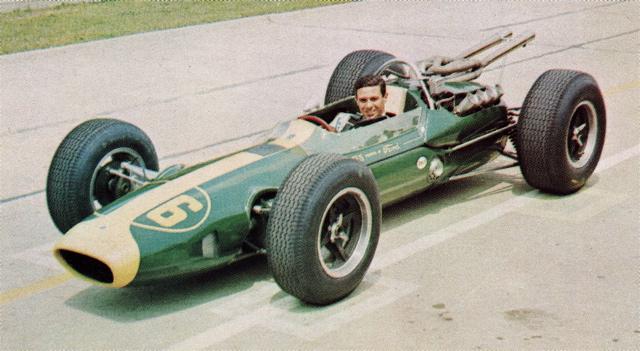 Jim Clark cu Lotus 25 la inceputul sezonului de F1 in 1963