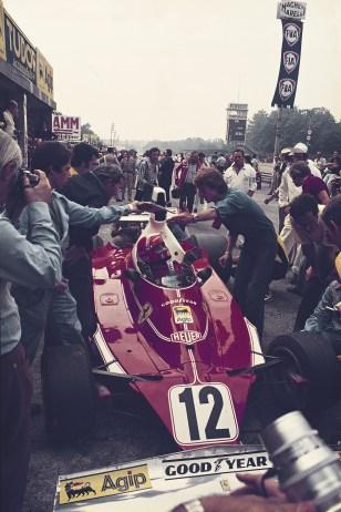 La boxe cu Ferrari in Grand Prixul Italiei 1975