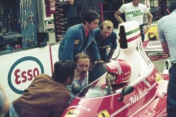 La boxe cu Ferrari si Mauro Forghieri