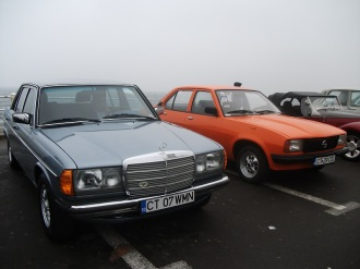 Mercedes 230 W123 & Opel Ascona B