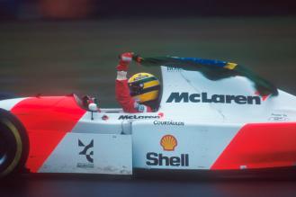 Ayrton Senna cu McLaren Honda castigator la Donington Park in 1993