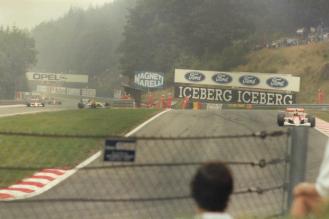 Ayrton Senna cu McLaren Honda pe circuitul de la Spa Belgia in 1991