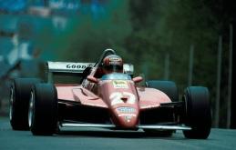 Gilles Villeneuve cu câteva momente înainte de teribilul accident