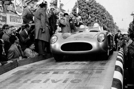 Câștigător Mille Miglia 1955 cu Mercedes 300SLR